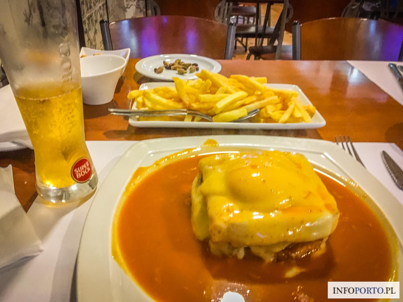 Porto Jedzenie Kuchnia Portugalska co jeść w Porto typowe i tradycyjne dania kuchni portugalskiej potrawy Portugalia lokalne  Przewodnik kulinarny po Porto Najlepsze jedzenie
