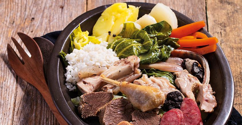 Porto Jedzenie Kuchnia Portugalska co jeść w Porto typowe i tradycyjne dania kuchni portugalskiej potrawy Portugalia lokalne  Przewodnik kulinarny po Porto Najlepsze jedzenie  14