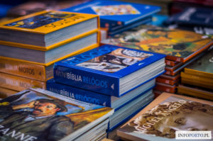 Livraria Lello Porto Księgarnia Lello & Irmao Słynny sklep z książkami Najsłynniejsza księgarnia Harry Potter Oporto książki bookstore zdjęcia fotografie lokalny przewodnik Portugalia
